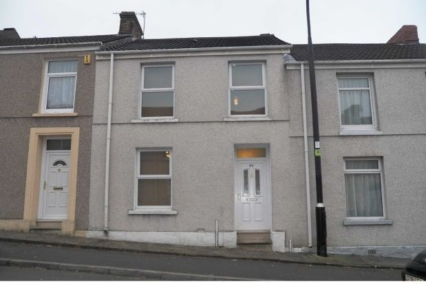 Thumbnail Property to rent in Marble Hall Road, Llanelli