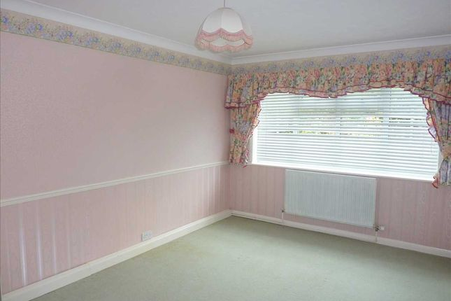 Bedroom One of Denby Drive, Cleethorpes DN35