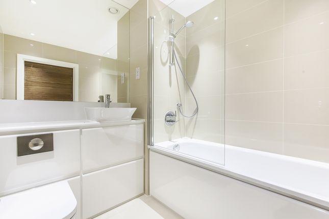 Bathroom of John Donne Way, London SE10