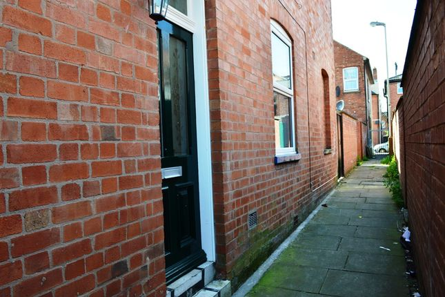Thumbnail Terraced house to rent in Chandos Street, Leicester