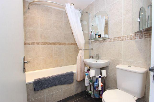 Bathroom of Campbell Road, Brighton BN1