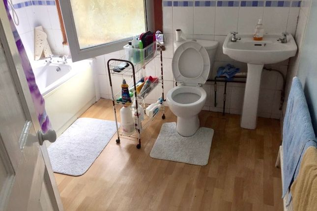 Thumbnail Detached house to rent in Fairlop Road, London