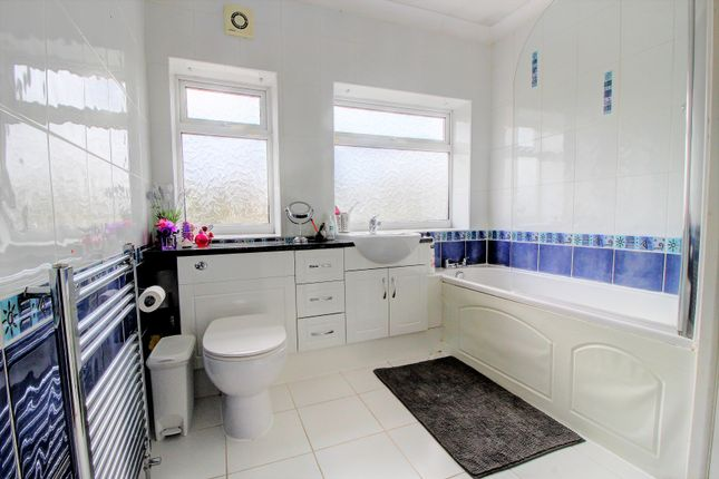 Family Bathroom of Oakdene Avenue, Heald Green, Cheadle SK8