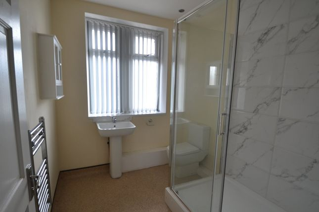 Thumbnail Flat to rent in Little Lane, South Elmsall, Pontefract