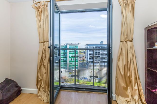 Thumbnail Flat for sale in Velocity West, 5 City Walk, Leeds