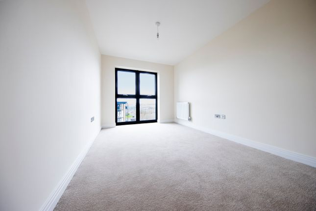 Thumbnail Flat for sale in Bessemer Road, Welwyn Garden City
