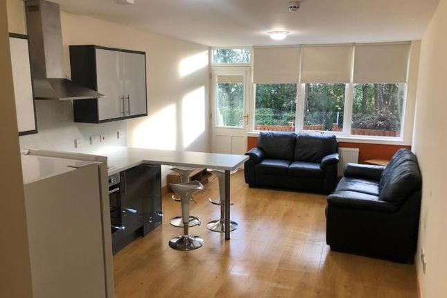 2 bed flat to rent in Dundee DD1