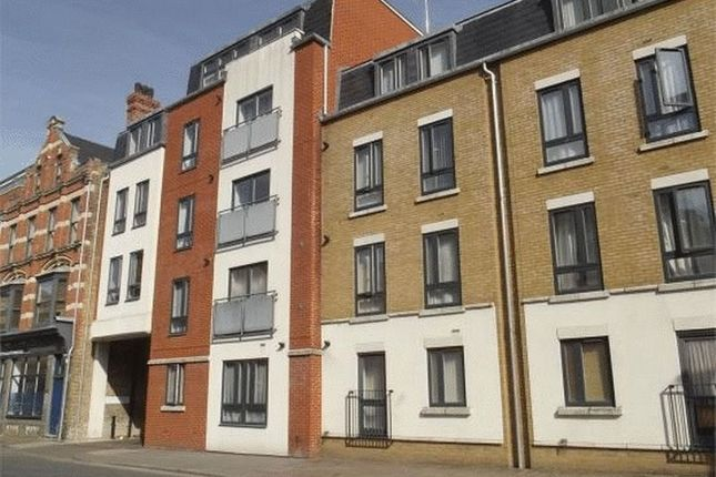 Thumbnail Flat to rent in High Street, Rochester