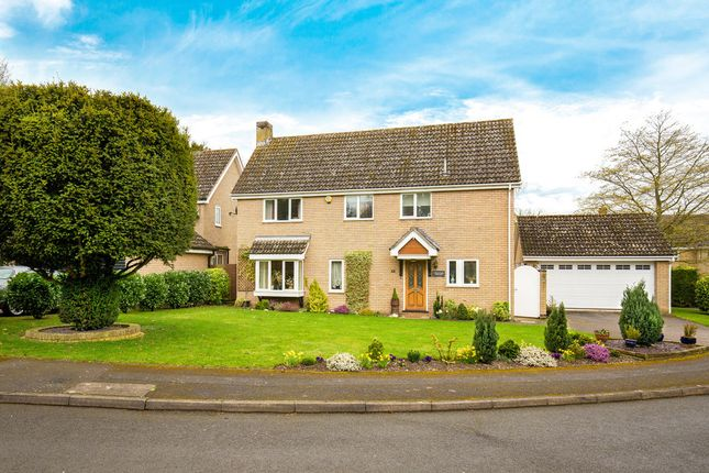 Thumbnail Detached house for sale in Downlands, Royston