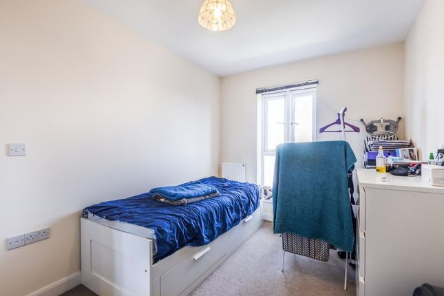 Bedroom of Reading, Berkshire RG30