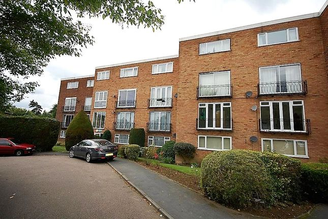 2 bed flat to rent in Stortford Hall Park, Bishop's Stortford