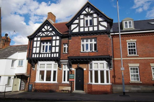Thumbnail Flat for sale in Goddard Court, Cricklade Street, Swindon