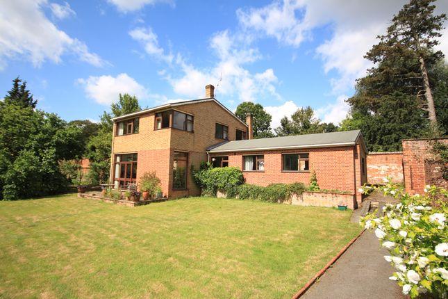 Thumbnail Detached house for sale in Furze Platt Road, Maidenhead