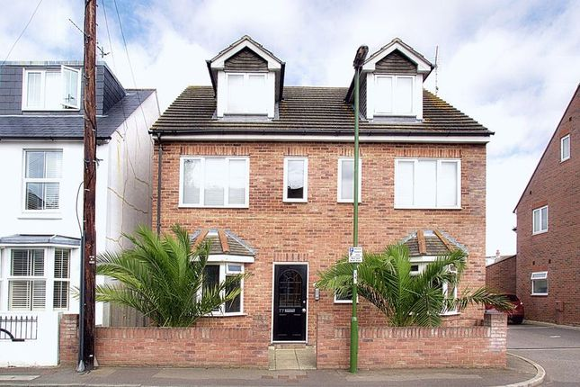 Thumbnail Flat for sale in Whyke Lane, Chichester