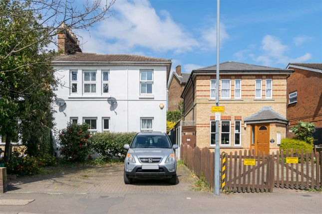 2 bed flat to rent in Elmcroft Avenue, London E11