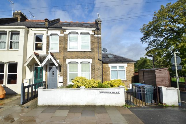 Thumbnail Flat to rent in Bruswick Avenue, New Southgate