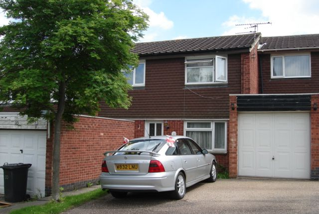 Thumbnail Semi-detached house to rent in Illingworth Road, Leicester