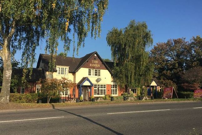 Thumbnail Pub/bar to let in Droitwich Road, Claines, Worcester