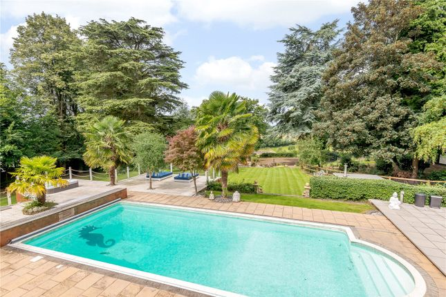 Thumbnail Detached house for sale in Commonwood, Kings Langley, Hertfordshire