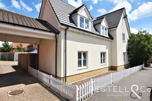 4 bed link-detached house for sale in Canon Road, Flitch Green, Dunmow CM6
