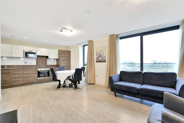 Thumbnail Flat to rent in Connaught Heights, Royal Docks, London