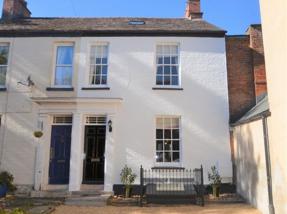 Thumbnail Terraced house for sale in St. Andrew Street, Tiverton