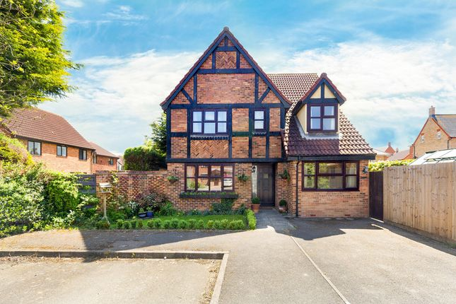 Thumbnail Detached house for sale in Applecroft, Lower Stondon, Henlow
