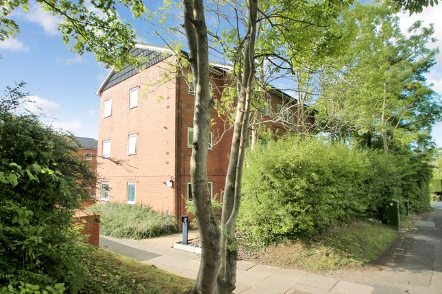 Thumbnail Flat for sale in Eunal Court, Well Close, Redditch