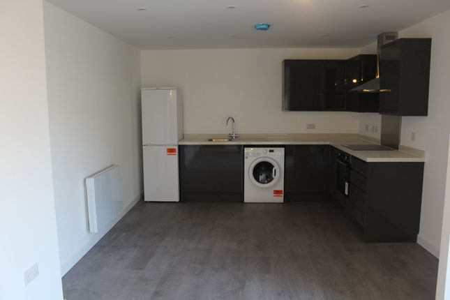 Thumbnail Flat to rent in West Street, Fareham
