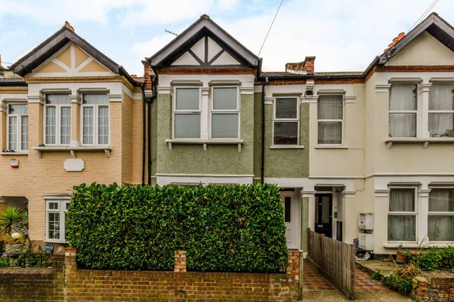 Flat for sale in Berrymead Gardens, Acton, London