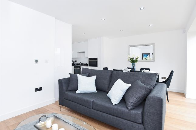 Thumbnail Town house for sale in York Lane, Mitcham