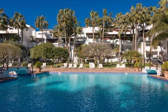 Thumbnail Apartment for sale in Marbella, Málaga, Spain