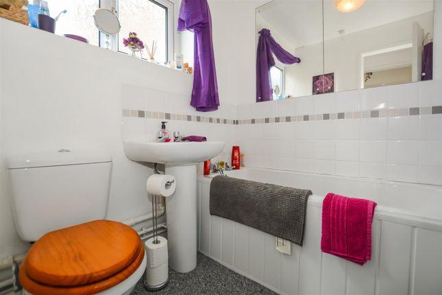 Bathroom of Lambourne Rise, Bottesford, Scunthorpe DN16