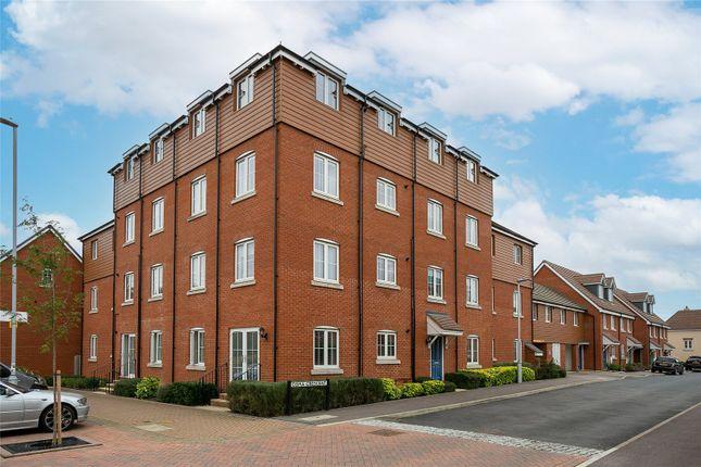2 bed flat to rent in Copia Crescent, Leighton Buzzard LU7