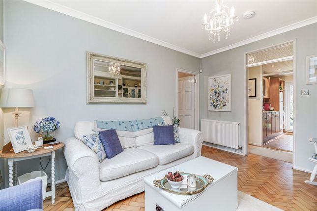 Flat for sale in Cowper Road, London