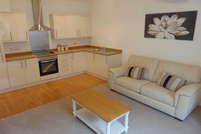 Thumbnail Flat to rent in Cwrt Brenin, Pontypridd, Rhondda Cynon Taff