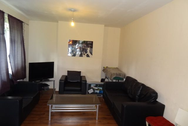 Thumbnail Maisonette to rent in Brecknock Rd, London