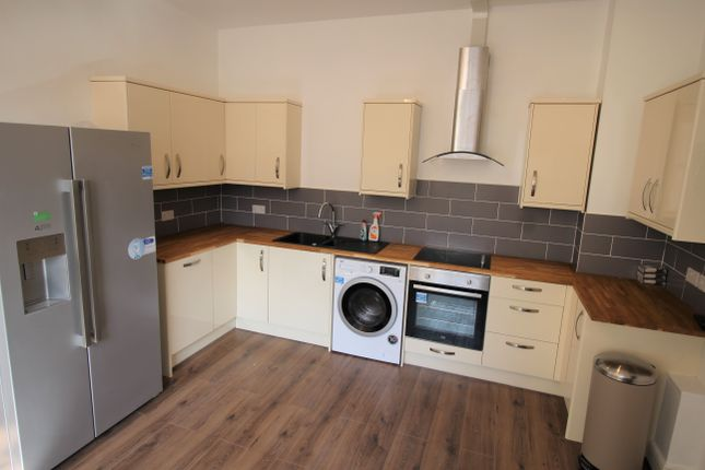 Thumbnail Flat to rent in Clinton Terrace, Derby Road, Nottingham