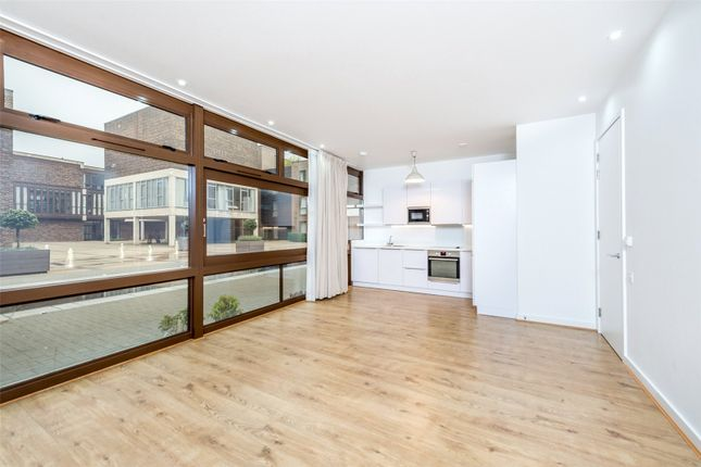 Thumbnail Flat to rent in Cabanel Place, Lambeth, London