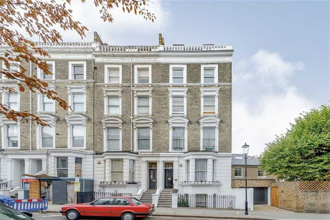 Thumbnail Flat to rent in Campden Hill Gardens, London