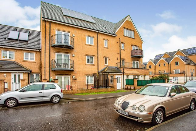 1 bed flat for sale in 2 Varcoe Gardens, Hayes UB3