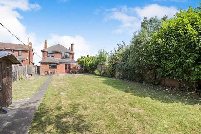 Thumbnail Detached house for sale in Nuneaton Road, Bulkington, Bedworth