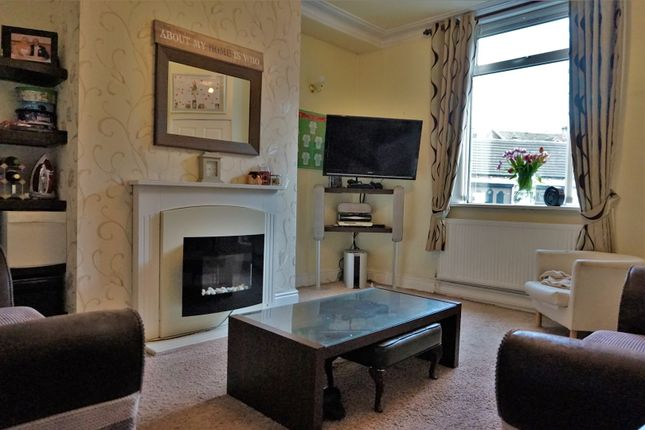 Thumbnail Terraced house for sale in Cleckheaton Road, Bradford