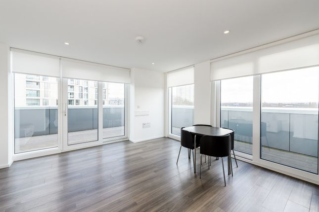 2 bed flat for sale in 1 Beacon Tower, London, London