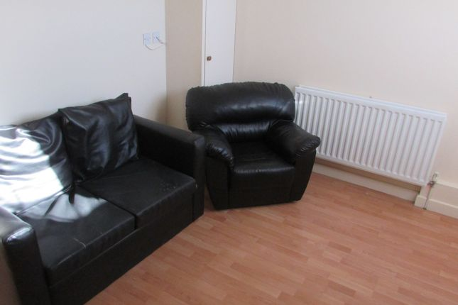 1 bed flat to rent in Wellington Street, Luton