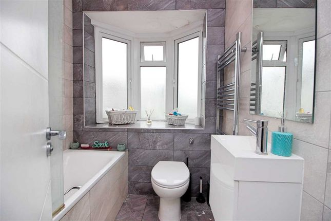 Bathroom 1 of Maxwelton Close, Millhill, London NW7