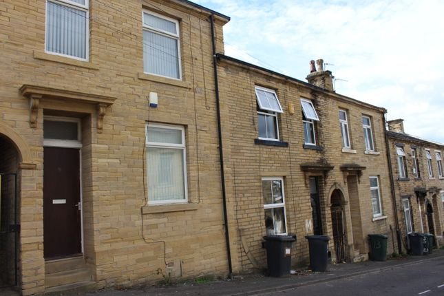 Thumbnail Terraced house to rent in Hart Street, Bradford