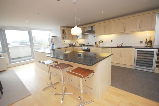 Thumbnail Property to rent in Grosvenor Terrace, London