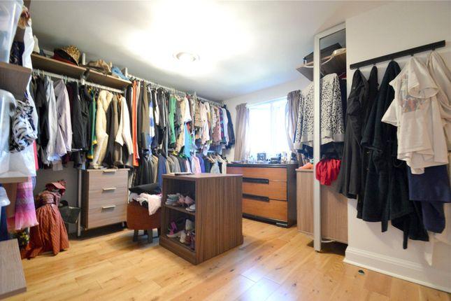 Picture No. 04 of Fryston Avenue, Croydon CR0