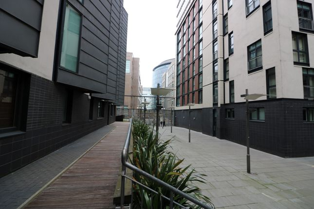 Thumbnail Flat for sale in Oswald Street, Glasgow